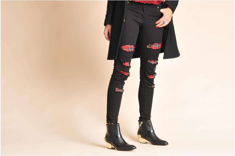 Bottines et boots Guess Elmoor Noir vue bas / vue portée sac