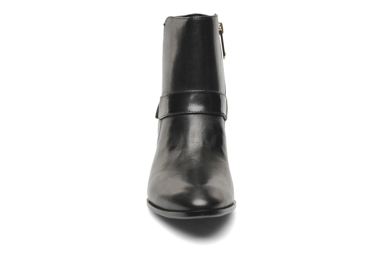 Bottines et boots Guess Elmoor Noir vue portées chaussures