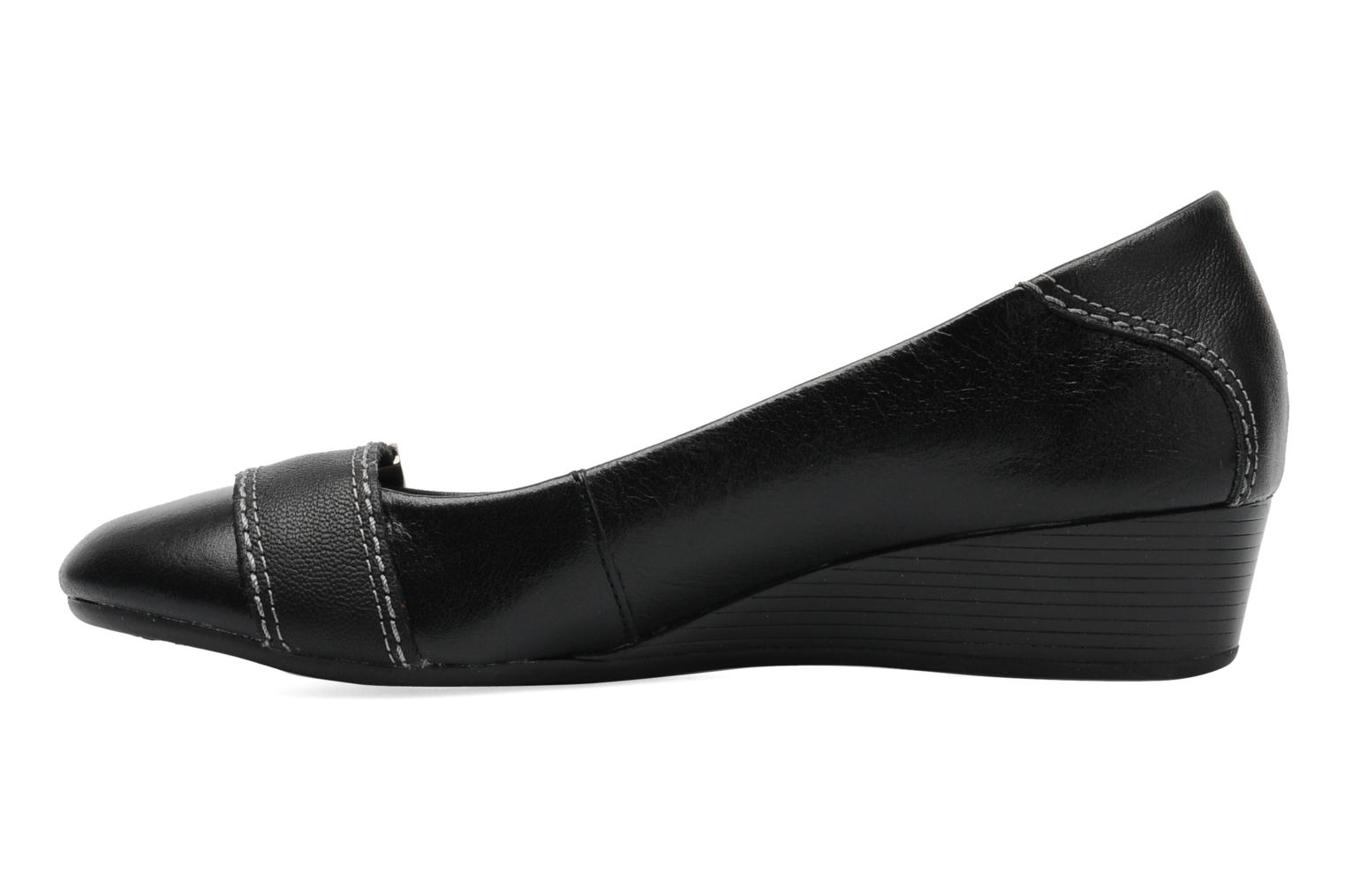 Candid Pump_Or Black leather