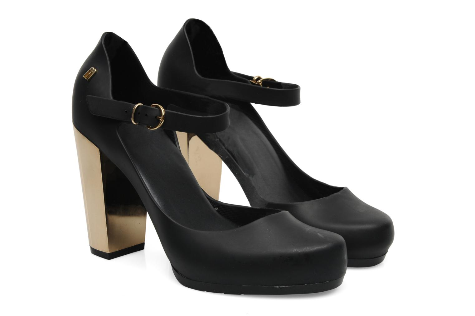 Melissa Kristen Sp Ad Black and gold