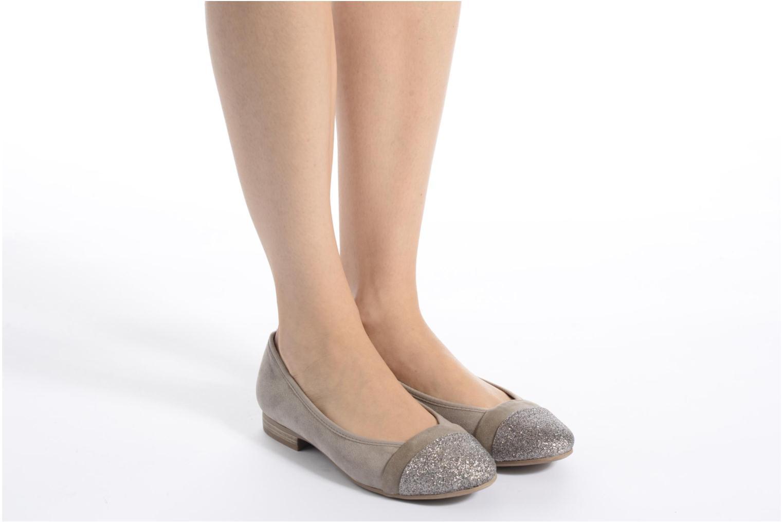 Ballerines Jana shoes Molia Beige vue bas / vue portée sac