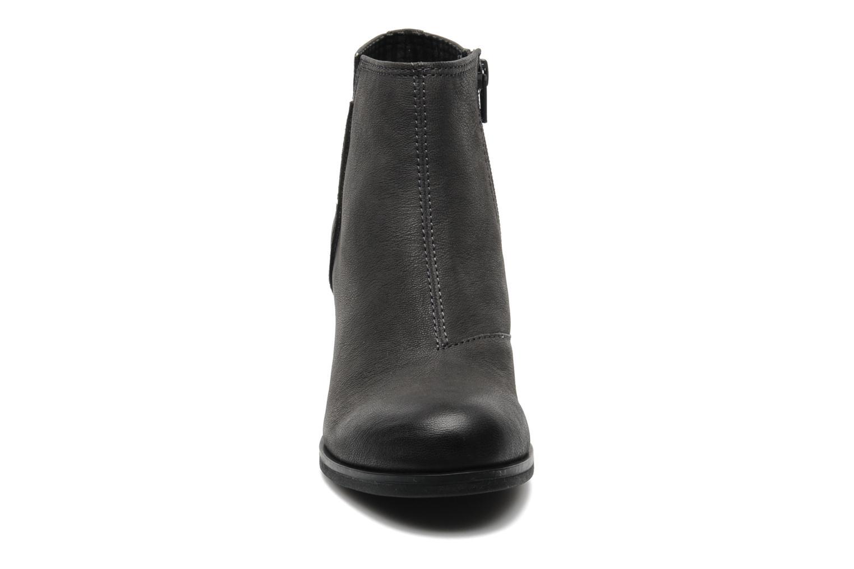 Bottines et boots Vagabond MARION 3607-250 Gris vue portées chaussures