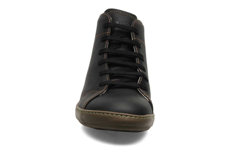 Zapatos con cordones El Naturalista Meteo N212 Negro vista del modelo