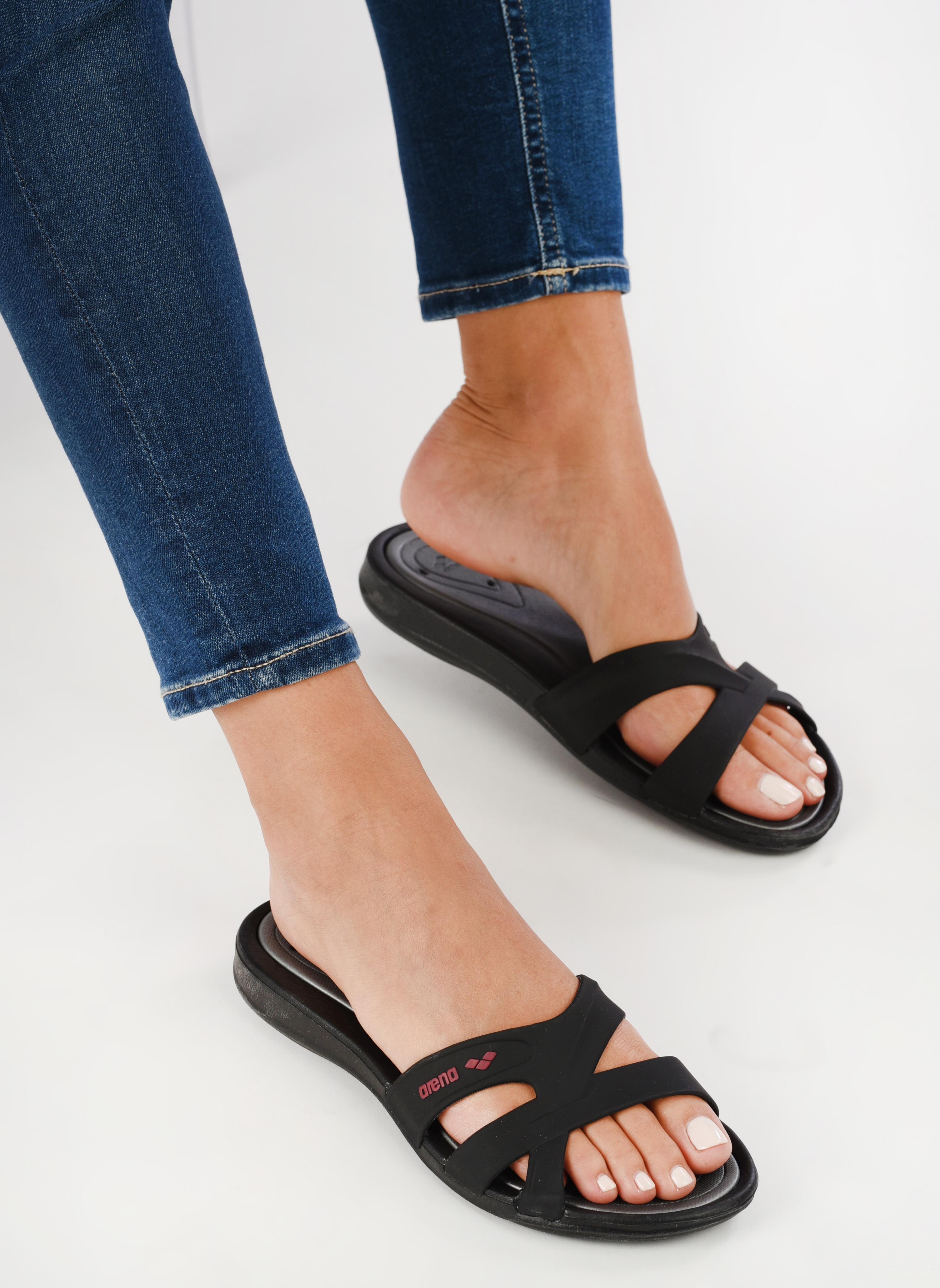 Chaussures de sport Arena Athena woman hook Noir vue bas / vue portée sac