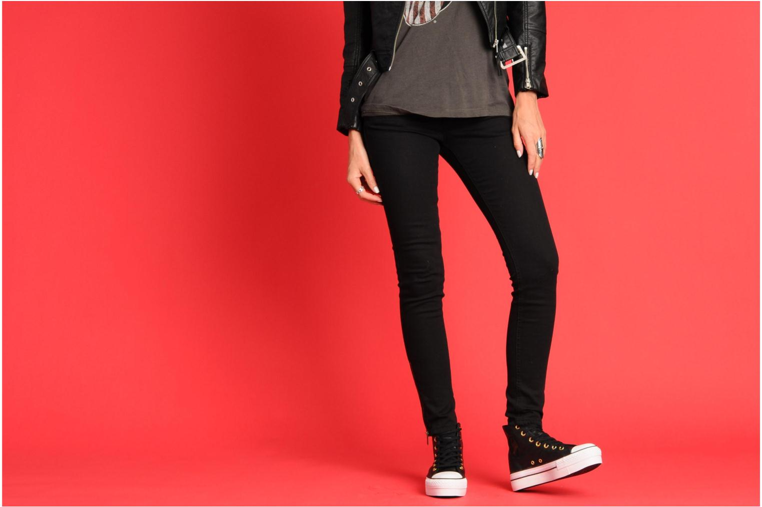 Trainers Converse Chuck Taylor All Star Fashion Leather Platform Hi W Black view from underneath / model view