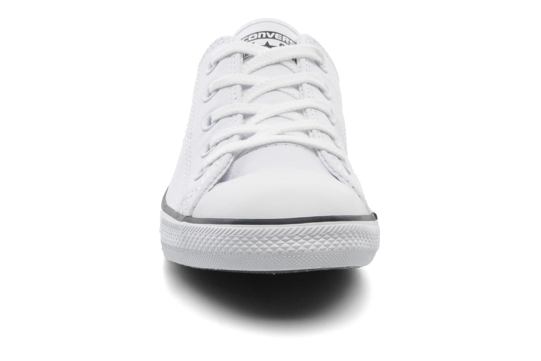 Baskets Converse All Star Dainty Cuir Ox W Blanc vue portées chaussures