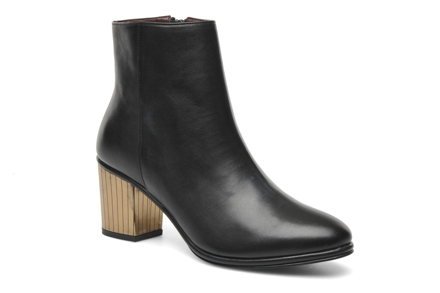 Bellagio Boot Black Leather / Gold Combo