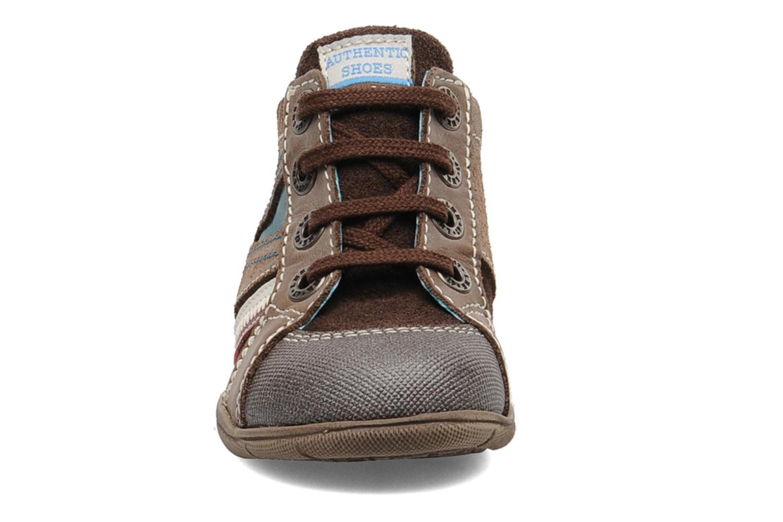 Sneakers Little Mary Opas Bruin model