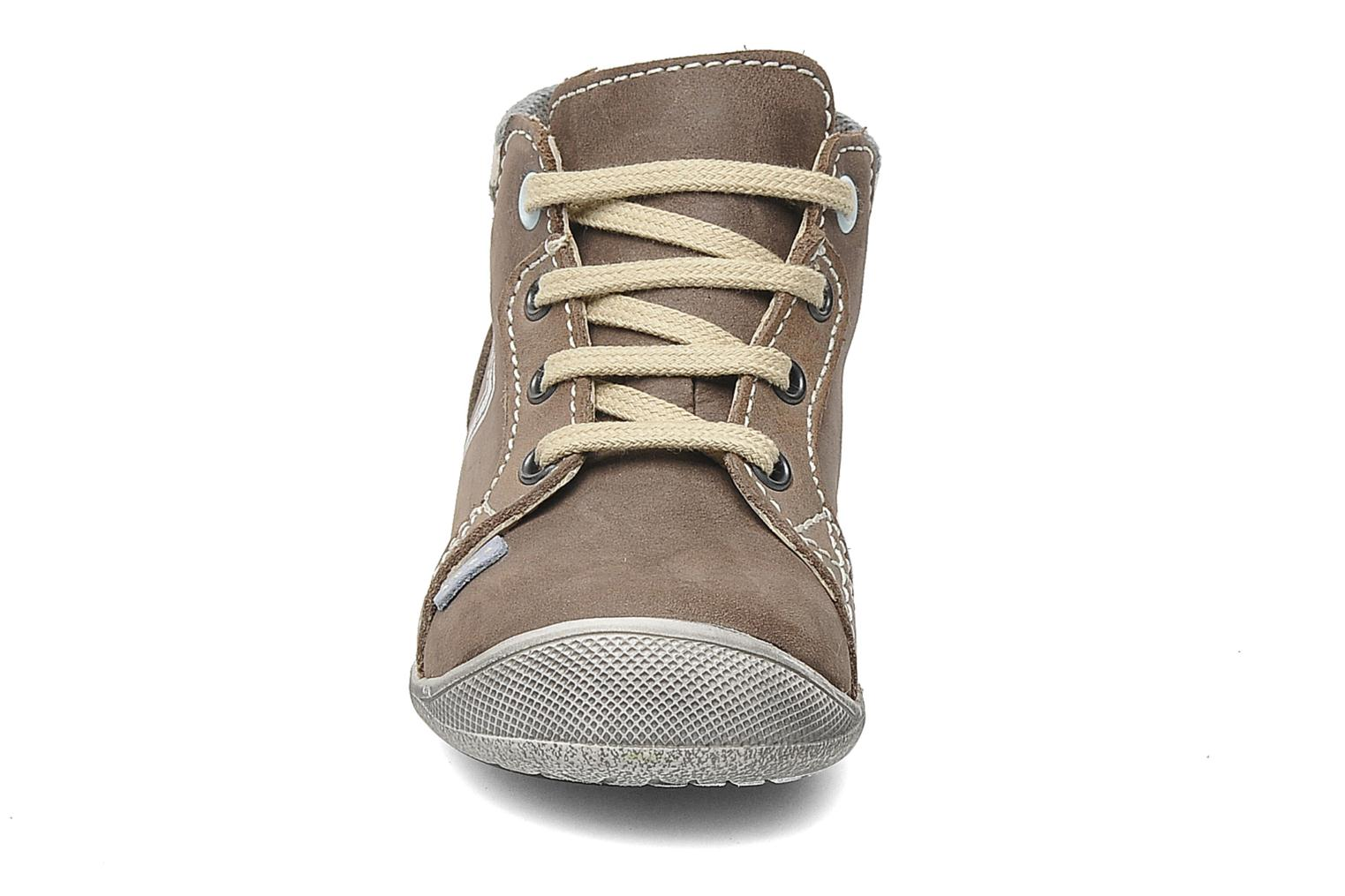 Trainers Little Mary Ouessant Beige model view