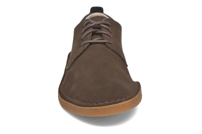 Schnürschuhe Clarks Originals Desert London braun schuhe getragen