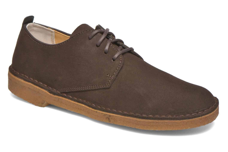 Snörade skor Clarks Originals Desert London Brun detaljerad bild på paret