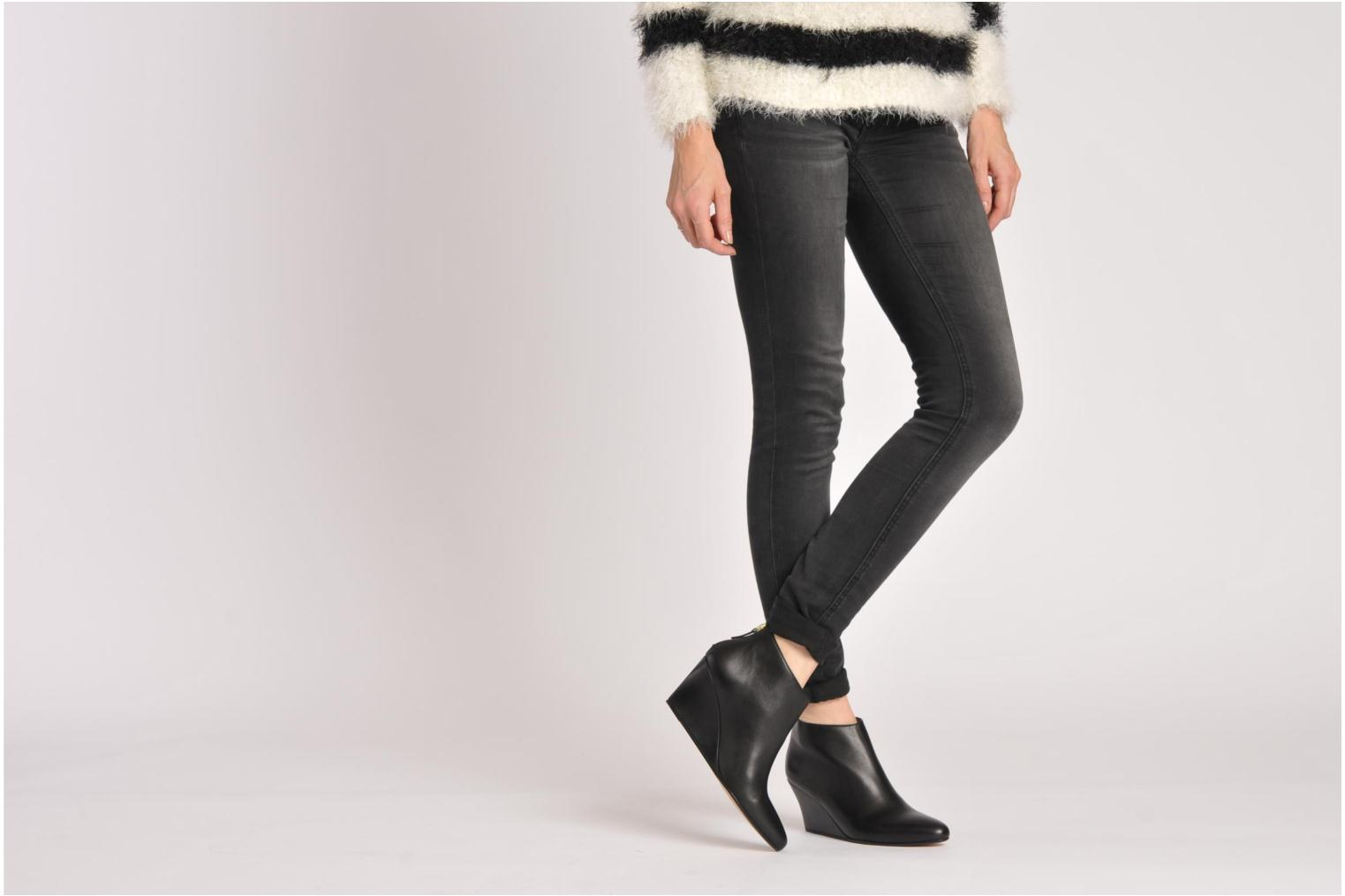 Ankle boots Avril Gau Loty Black view from underneath / model view