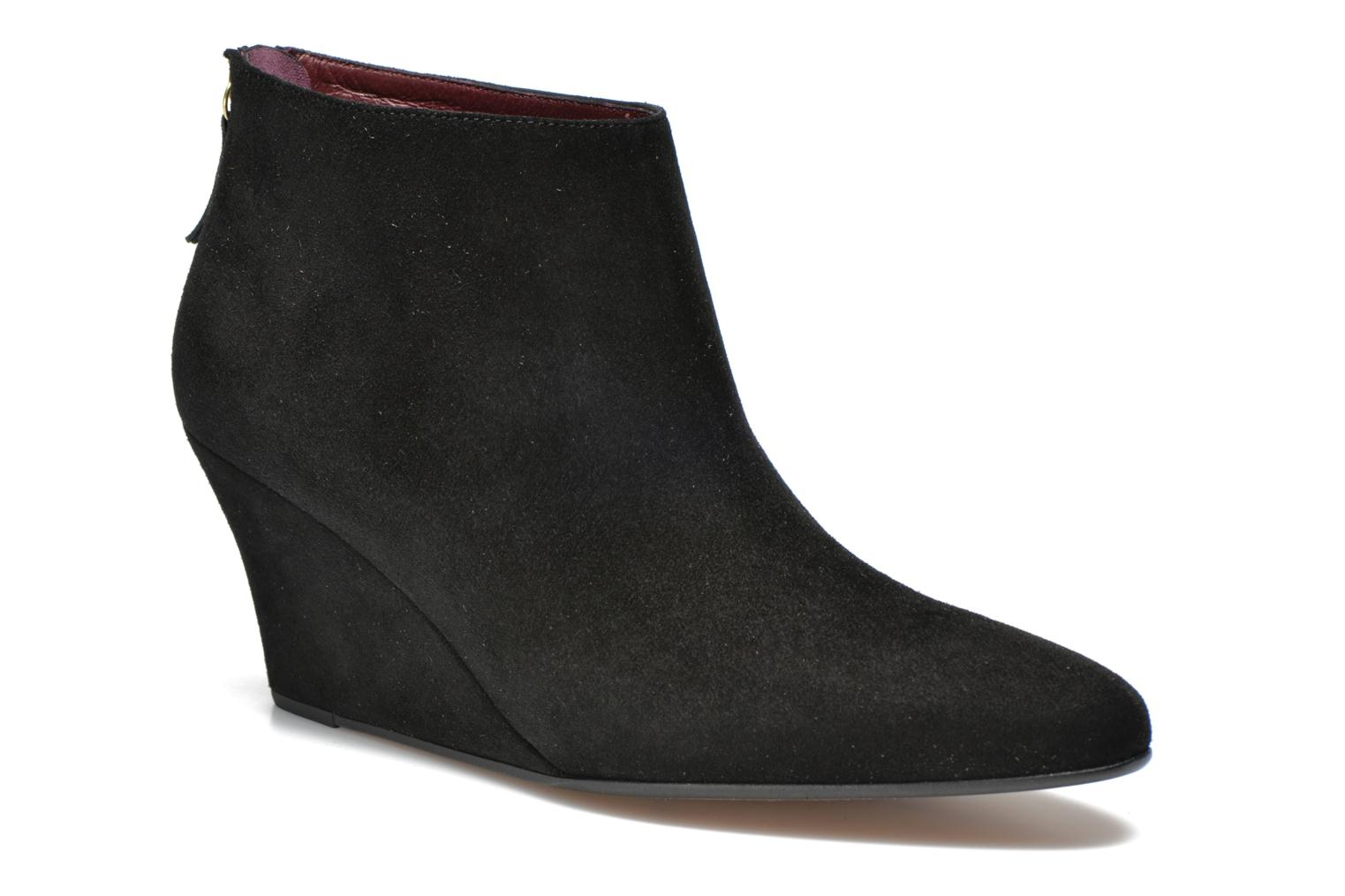Ankle boots Avril Gau Loty Black detailed view/ Pair view