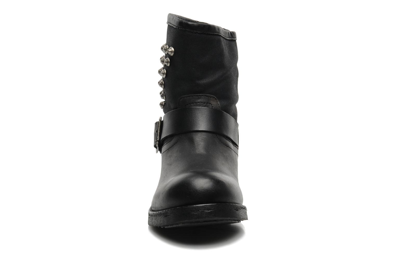Bottines et boots Koah Nina Noir vue portées chaussures