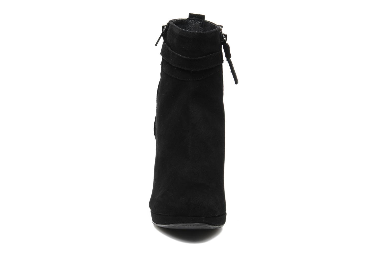 Bottines et boots Elizabeth Stuart Foster 701 Noir vue portées chaussures