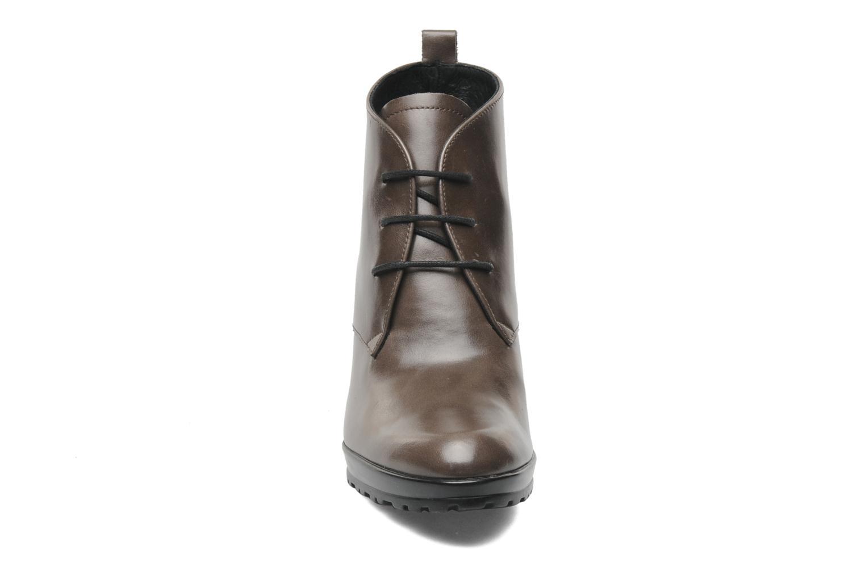 Bottines et boots Elizabeth Stuart Abdela 304 Marron vue portées chaussures