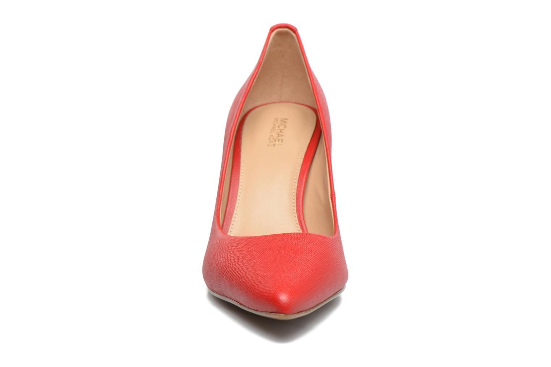 Zapatos de tacón Michael Michael Kors MK Flex Mid Pump W Rojo vista del modelo