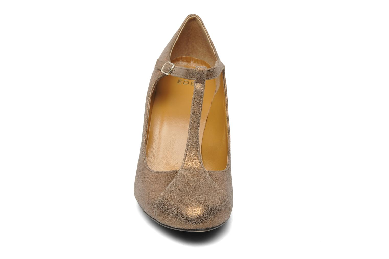 High heels Eden Atilla Bronze and Gold model view