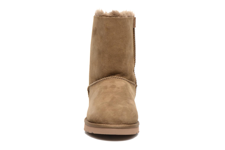 Bottines et boots UGG Bailey Bow W Marron vue portées chaussures