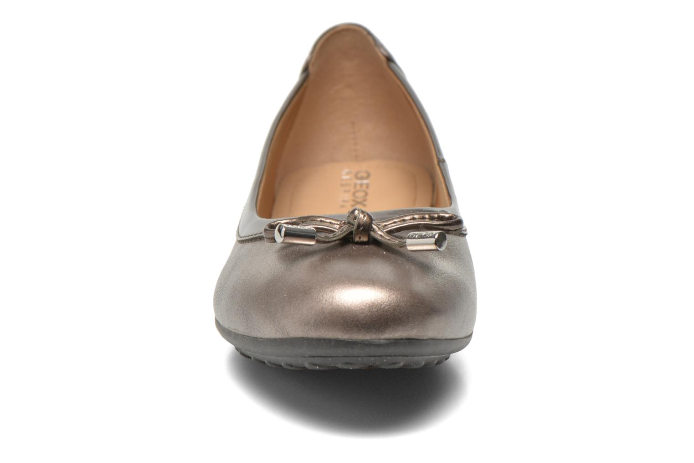Ballerines Geox D PIUMA BAL H D34D8H Or et bronze vue portées chaussures