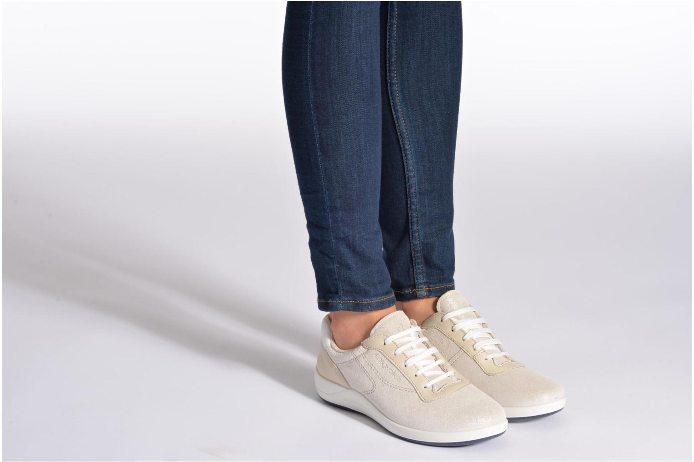 Sneaker TBS Easy Walk Anyway braun ansicht von unten / tasche getragen