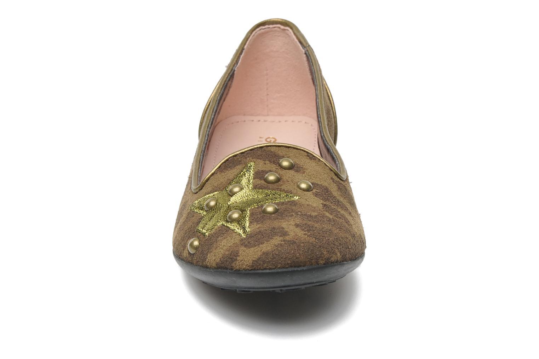 Ballerines Geox J PLIE' D Marron vue portées chaussures