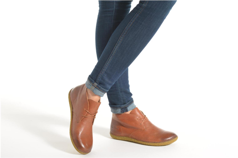 Chaussures à lacets Kickers HOBBOBO Noir vue bas / vue portée sac