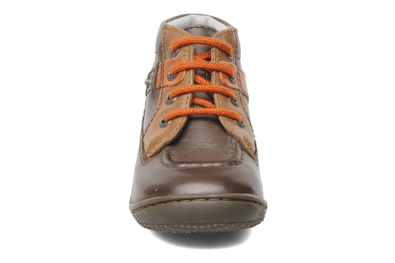 Bottines et boots Kickers GUILLEM Marron vue portées chaussures