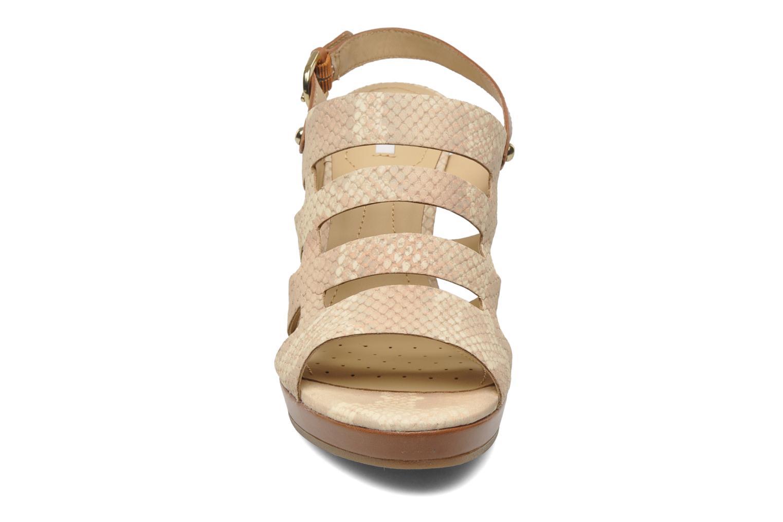 Sandales et nu-pieds Geox D Sibilla S. B Beige vue portées chaussures