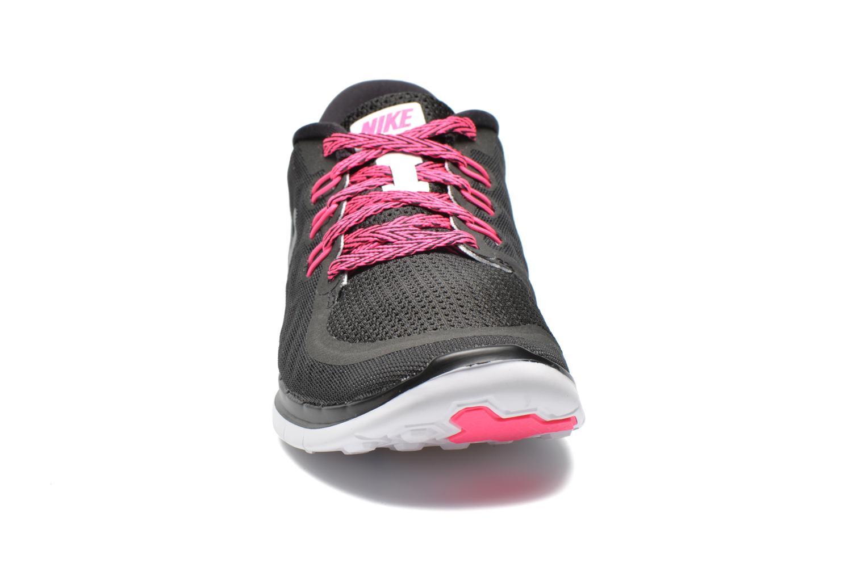 Sneakers Nike NIKE FREE 5.0 (GS) Nero modello indossato