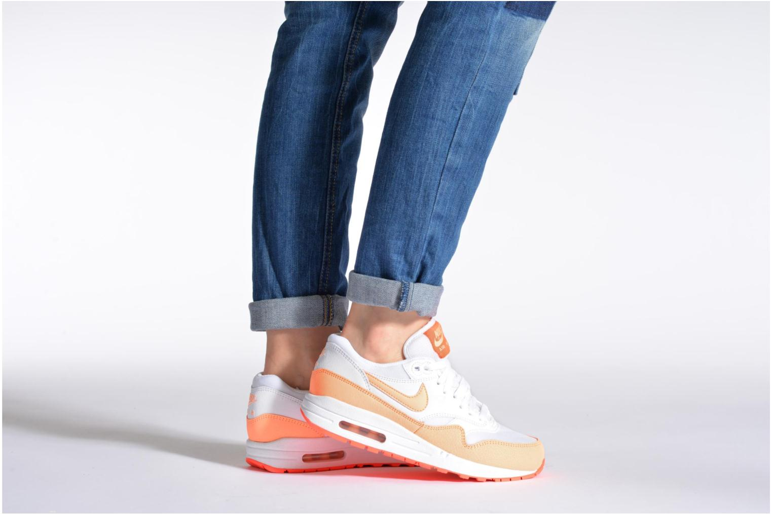 Wmns Air Max 1 Essential White/Sunset Glow-Hot Lava