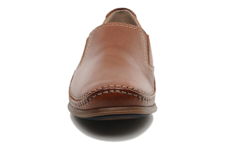 Loafers Fluchos Catamaran 8565 Brun bild av skorna på