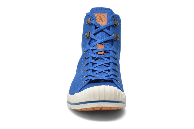 Baskets Aigle Kitangiri Mid Gris vue portées chaussures