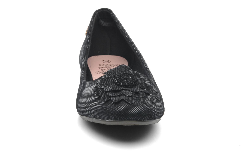 Ballerines Refresh Bénilde Noir vue portées chaussures