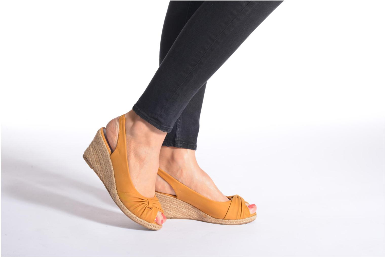 Sandales et nu-pieds Refresh Britt Or et bronze vue bas / vue portée sac