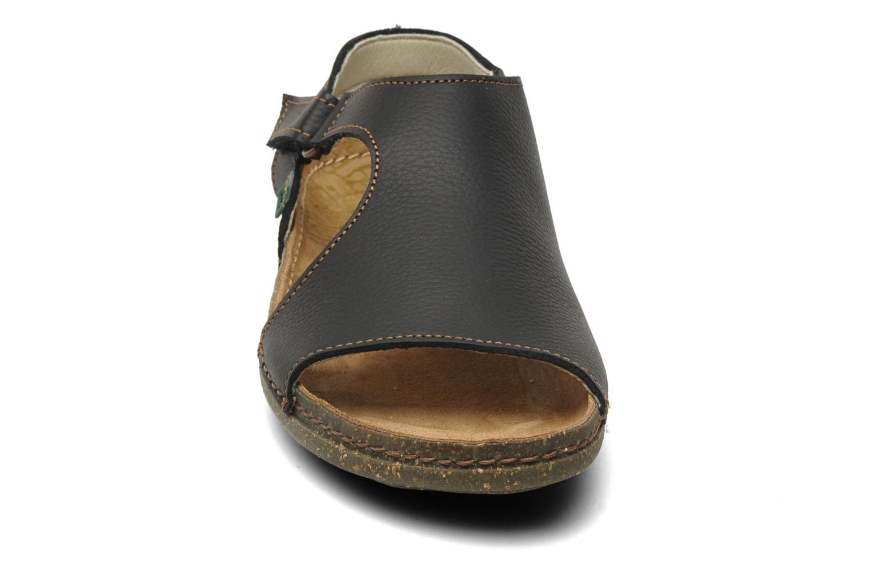 Sandalias El Naturalista Torcal N309 Negro vista del modelo