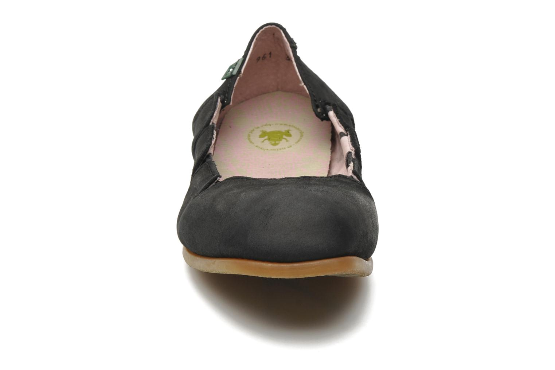 Ballerines El Naturalista Croche N961 Noir vue portées chaussures