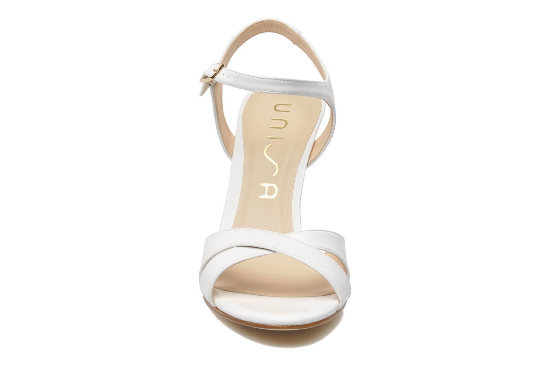Sandalen Unisa Yvon weiß schuhe getragen