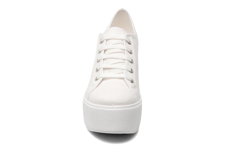 Baskets Shellys London FUNCLUO Blanc vue portées chaussures