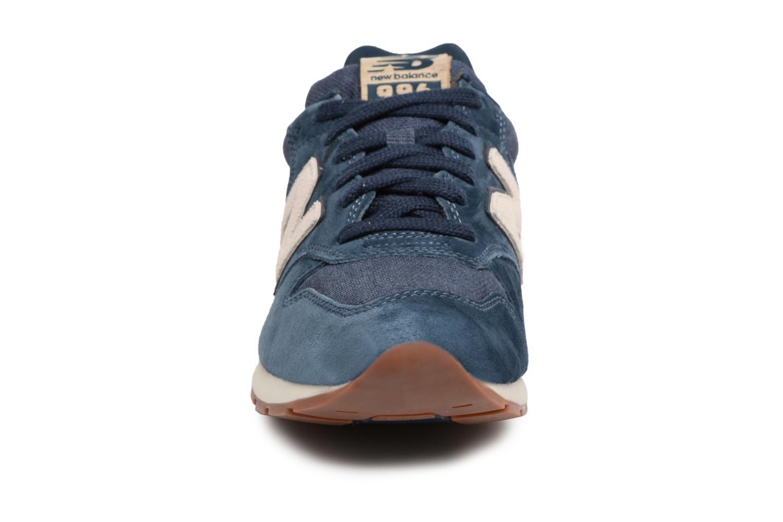 Baskets New Balance MRL996 Bleu vue portées chaussures