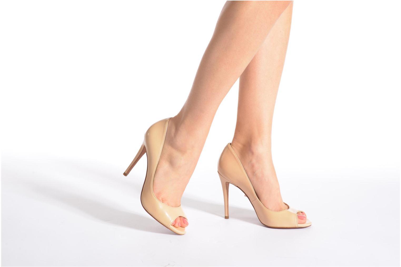 High heels Pura Lopez Gabriella Beige view from underneath / model view