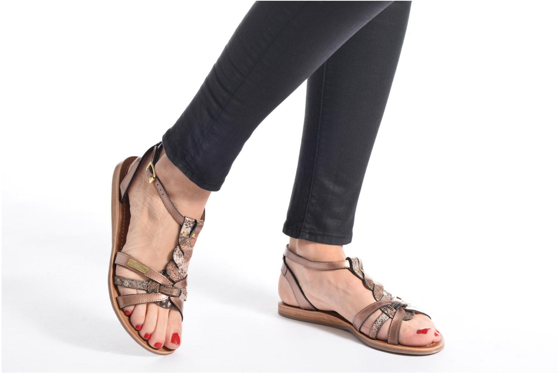 Sandalen Les Tropéziennes par M Belarbi Hams schwarz ansicht von unten / tasche getragen