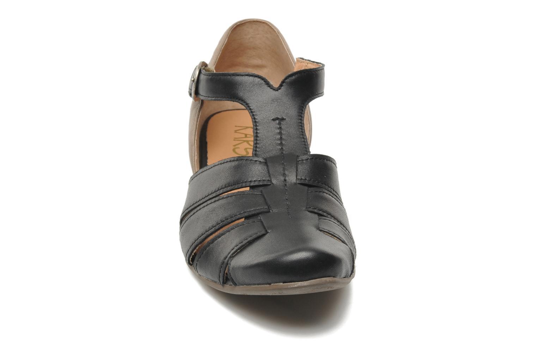 Sandali e scarpe aperte Karston Kyza Nero modello indossato