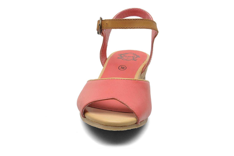 Sandales et nu-pieds Kickers Coco Rose vue portées chaussures