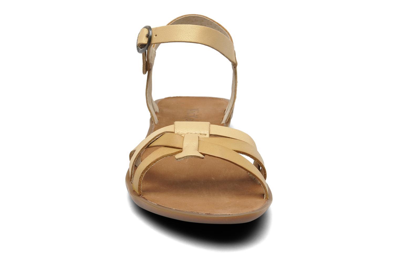Sandales et nu-pieds Kickers Zephir Beige vue portées chaussures
