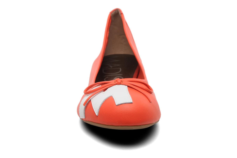 Ballerinas Madison Clune orange schuhe getragen