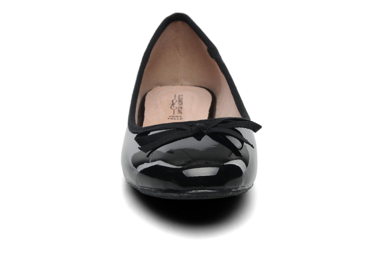 Ballerines Elizabeth Stuart Castel 813 Noir vue portées chaussures