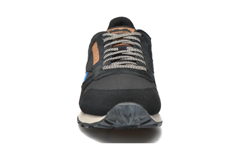 Baskets Reebok Classic Leather Utility Bleu vue portées chaussures
