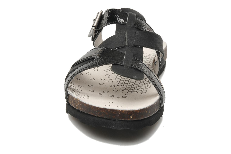 Sandales et nu-pieds Kickers Dolia Noir vue portées chaussures