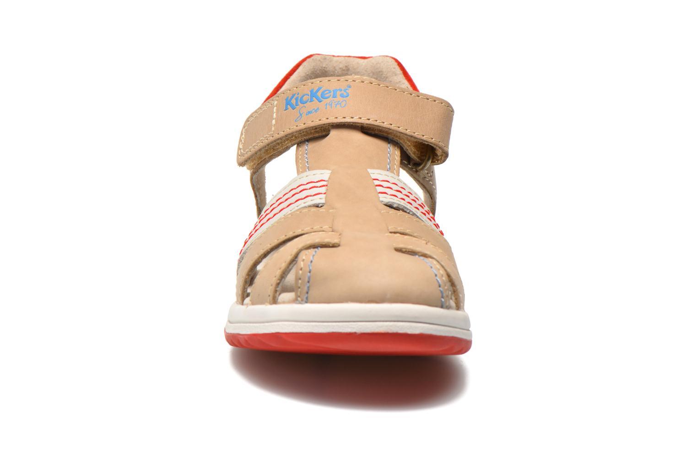 Sandalen Kickers Platinium grau schuhe getragen